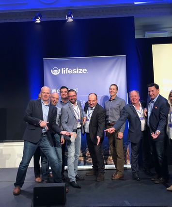 DEKOM EMEA represented by Bjorn Heisterkamp, Jesús Garzón Calvo, Jorg Weisflog and Arwed Plate receives award from Lifesize leadership (4)