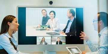 Cisco Telepresence MX300 G2 In Use 02
