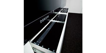 DEKOM Lync MPS 175 Racks Close Up