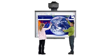 SMART Board 885ix2 In Use 01