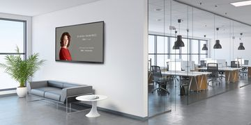 Zoom Rooms and Workspaces Display