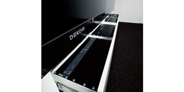 DEKOM Lync MPS 275 Racks Close up